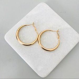 Minimal Gold Chunky Hoops